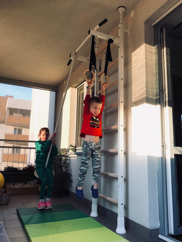 drabinka gimnastyczna na balkonie